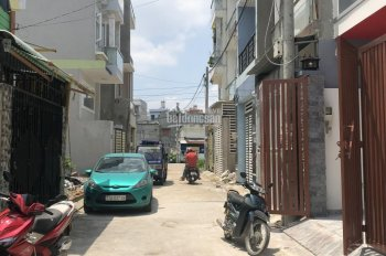 Nhà 1 trệt 2 lầu, 4PN, 3WC, cách mặt tiền đường Lò Lu chỉ 100m, 50m2, giá 3,62 tỷ TL