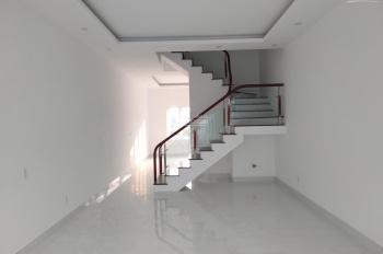 Nhà mới đã hoàn thiện 3 tầng, khu trung tâm PG An Đồng, đã hoàn thiện, view hồ điều hòa