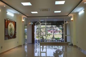 Cho thuê nhà ngõ Dịch Vọng, Cầu Giấy. DT 41m2 x 4 tầng, MT 4m, trước nhà đỗ ô tô, giá 17tr/tháng