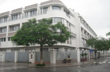 Cần cho thuê căn nhà liền kề KĐT An Hưng, diện tích 82,5m2, ai có nhu cầu LH A Thịnh 0988622161