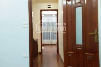 Cho thuê nhà riêng ngõ 310 Nghi Tàm - 40m2 x 4T - Nhà mới đẹp