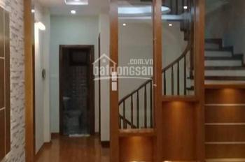 Cho thuê nhà PL mới xây Yên Hòa. Nhà 5 tầng x 50m2, 2 mặt tiền, ô tô vào nhà, giá 22tr/th