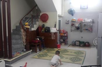 Nhà đẹp ngõ nông tự xây phố Lê Thanh Nghị 40m2 giá 3,85 tỷ, LH 0977467662