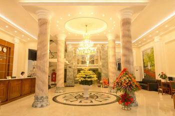 Bán shophouse khách sạn 32 phòng, diện tích 240m2, mặt tiền 15m, vốn đầu tư 7.2 tỷ. LH: 0964822363