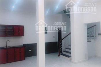 Cần bán nhà riêng 3 tầng DT 52m2 ngõ 1 Võ Chí Công đi thông ngõ 2, ngõ 4 Hoàng Quốc Việt, 3.8 tỷ