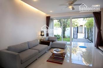 Bán Villa cực đẹp góc 2 mặt tiền khu Compound Nguyễn Văn Hưởng, DT 300m2, có hồ bơi giá 42 tỷ