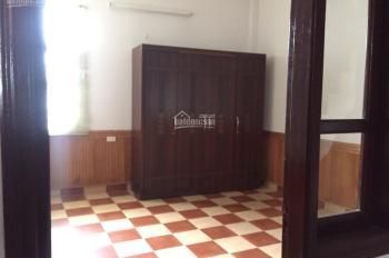 Bán nhà 3 tầng 1 tum 49.4m2, địa chỉ: Bồ Đề, Long Biên, Hà Nội, rộng 3.8m, dài 13m, 4 phòng ngủ