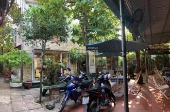 Biệt thự cho thuê 327m2, 4 phòng ngủ, sân vườn, 3 mê, Trần Cao Vân, có nội thất