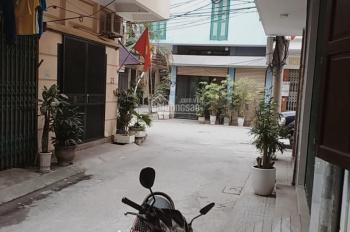 Cho thuê phòng trọ khép kín tầng 2 ngõ 124 Nguyễn Xiển riêng biệt, điều hòa, NL, 20m2, 2,5tr/th