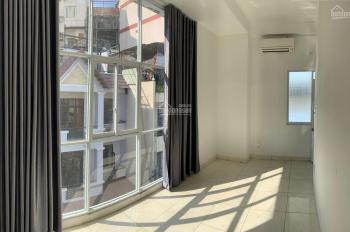 Cho thuê văn phòng, shop quần áo online nhỏ trung tâm quận 1. LH: 0989604920