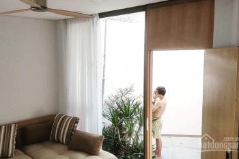 Bán biệt thự đẹp lung linh, sát MT Phan Văn Trị, hẻm xe tải, 100tr/m2, tặng nhà và nội thất