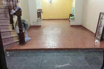 Nhà riêng ngõ phố Giải Phóng - Giáp Bát DT 50m2 x 3T, giá 10tr/th