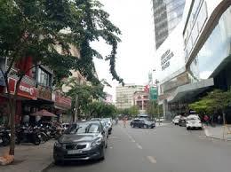 Bán nhà mặt phố đường Bùi Hữu Nghĩa, P. 7, Quận 5. DT: (8x20m), chào bán 52.5 tỷ TL