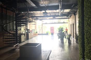 Cho thuê nhà mặt phố Huỳnh Thúc Kháng gần ngã tư: 270m2 x 2 tầng thông sàn, MT 12m. 0906216061