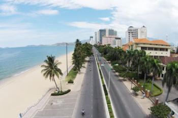 Bán đất 2 mặt tiền biển Phạm Văn Đồng - Vĩnh Hoà 1777m2, giá 90tr/m2, LH 0935861941