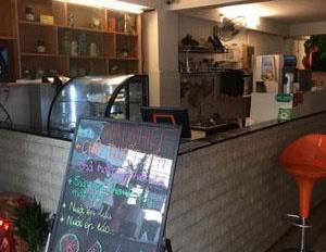 Cần sang lại quán trà sữa coffee nằm ngay góc ngã 4 Nguyễn Xí Đinh Bộ Lĩnh (khúc 2 chiều)