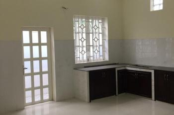 Bán nhà mặt tiền Lê Hồng Phong, Phú Lợi. 1 trệt 2 lầu, 4 phòng ngủ, sân 2 ô tô, LH 0866831553