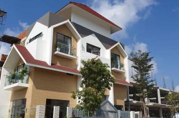 Nhà phố 1 trệt 3 lầu mặt tiền Nguyễn Văn Cừ trung tâm TP Bà Rịa 3.6 tỷ. Liên hệ Nguyên 0988067062