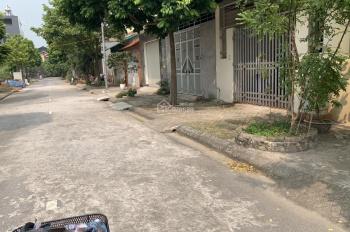 Cần bán nhà 3 tầng tại Đa Tốn, căn góc đường 5m, ô tô chạy vòng quanh, nhà mới sạch đẹp