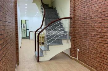 Cho thuê nhà riêng, nguyên căn đẹp phố Xã Đàn 45m2 x 5T, 5PN - Ô tô đỗ cửa, ảnh thật