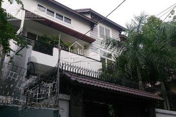 Cho thuê nhà nguyên căn đường Nguyễn Văn Trỗi, Quận Phú Nhuận, DT 12x25m 1 trệt, 2 lầu