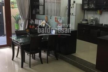 Bán gấp nhà mặt tiền phường Tân Quy, quận 7, 100tr/1m2. LH 0902.796.093