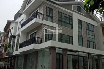 Cho thuê biệt thự lô góc ở Vimeco Nguyễn Chánh. DT 135m2, XD 90m2 x 4 tầng + 1 hầm, MT 12m, 50tr/th