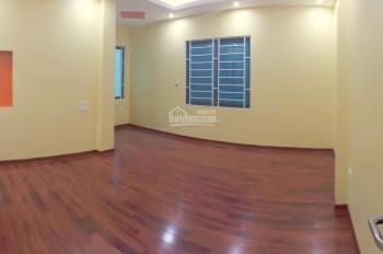Bán nhà xây mới ô tô đỗ cổng, ngõ 46, Linh Quang, DT: 40m2 x 5T, 3PN, LH 0986937856
