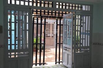 Bán nhà DT 60m2 đất HXH ngay công viên Gia Định gần sân bay LH: 0377772050