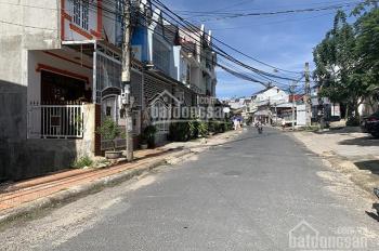 Bán nhà mới xây, ngay mặt tiền đường, gần Dinh III Bảo Đại, TP. Đà Lạt LH: 0942.657.566
