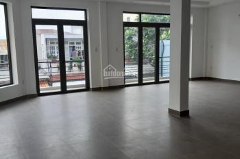 Cho thuê gấp nhà ngang lớn 9x20m, mặt tiền đường Cửu Long, Phường 2, Quận Tân Bình