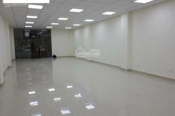 Cho thuê nhà ngõ Thịnh Quang, Đống Đa, 55m2 x 6T, thông sàn, có thang máy, mới tinh, 20tr/tháng