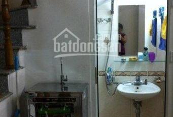 Cho thuê nhà ngõ 79 Cầu Giấy. DT 36m2 * 5 tầng phù hợp cho hộ gia đình ở kết hợp KD online