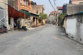 Bán nhà 3 tầng thôn Cam, Cổ Bi, diện tích 75m2 đường ô tô tránh nhau. LH: 0984.965.589