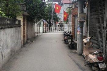 Nhượng gấp 50m2 đất phố Văn Trì, MT 6m, góc 2 mặt ngõ 2,5m, ô tô cách 50m, giá 1,8 tỷ. 0912777766