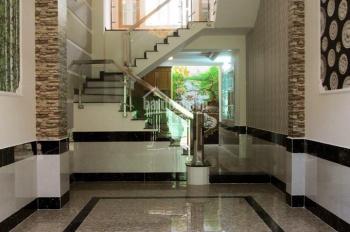 Cần bán gấp căn nhà phố mặt tiền đường QL13. Giá siêu rẻ 1,6 tỷ