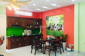 Chính chủ bán nhà (4tầng, 40m2) lô góc 3 mặt ngõ Vạn Phúc - Trần Phú - HĐ KD tốt ô tô vào nhà. 3tỷ