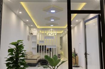Cho thuê nhà mặt tiền Lê Thị Hồng Gấm