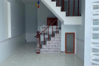Nhà phố đúc 1 lầu 4x10m tặng nội thất đường Võ Văn Vân, Vĩnh lộc B, thổ cư có GPXD 960tr 0704878889