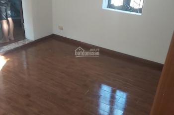 Cho thuê nhà phố Nguyễn Thái Học, 28m2 x3T, 1PK, 2PN, 2WC, ĐH, NL, full NT. LH 0978685735