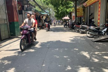 Gia đình cần bán 60m2 Phố Trường Lâm, Việt Hưng, Long Biên. LH: 0984.965.589