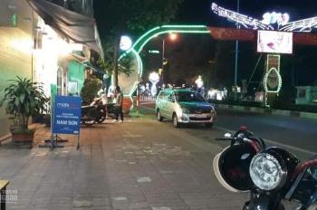 Chính chủ bán gấp 2 căn nhà ngay ngã tư trung tâm thành phố Quảng Ngãi, LH: 0937357382