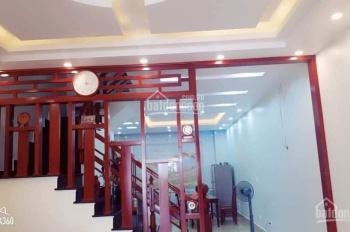 Bán nhà mặt phố Ngọc Thụy,Long Biên DT 55m2 ,3T,MT 4m .Giá 4,05 tỷ : KD,ô tô,vỉa hè .lh 0358888266