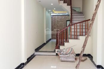 Duy nhất 1 căn nhà La Khê xây mới 2 mặt thoáng, diện tích khủng 43m2, gần đường ô tô. LH 0982690829