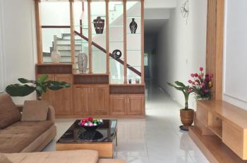 Siêu phẩm nhà phố Compound Champaca Garden Dĩ An, gần Big C, LH: 0933489386