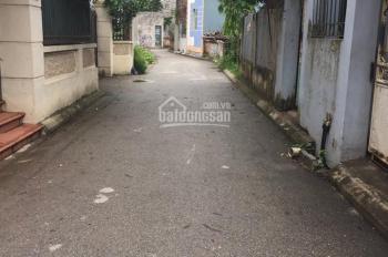 Đất xóm 1 Đông Dư, DT 40m2, ô tô vào nhà. LH 0986253572.