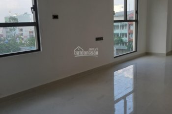 Cho thuê văn phòng tại Saigon Royal Quận 4, giá 18 triệu, diện tích 50m2, HTCB, LH 0943.223.330