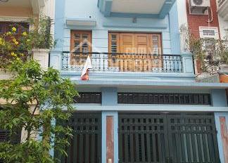 Bán nhà mặt phố Phùng Chí Kiên, quận Cầu Giấy 3 trong 1 đều có tất. LH 0946 587 666