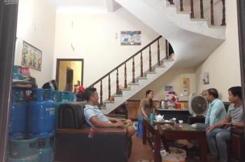 Bán nhà 2 tầng 1 tum 73.6m2, địa chỉ: An Đào, thị trấn Châu Quỳ, Gia Lâm, Hà Nội, rộng 5.5m
