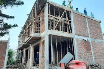Bán nhà 2 tầng mới 50m2 thôn Hoàng Lâu, nằm giữa KCN Tràng Duệ và KCN Thẩm Quyến